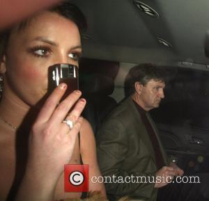 Ne-yo Signs Up To Help Britney