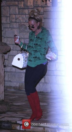Spears Risks Custody Battle By Running Red Light