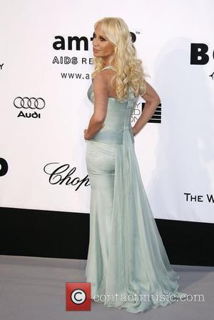 Versace's Daughter Battling Anorexia