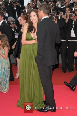 Jolie Shunned Dad's Name For Fame
