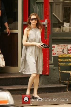 Ellen Pompeo and her fiance Christopher Ivery leave a restaurant after having lunch New York City, USA - 16.05.07
