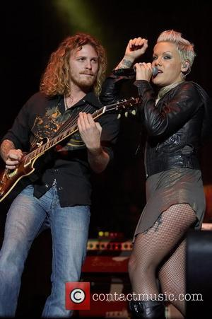 Pink's Husband Dismisses Cheating Story