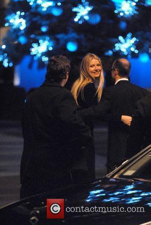 Paltrow Recovering From Knee Injury
