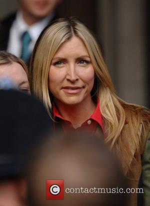 Mills' Dad Slams 'Greedy' Daughter