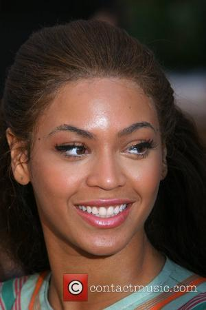 Knowles Confuses Own Image With Shakira's