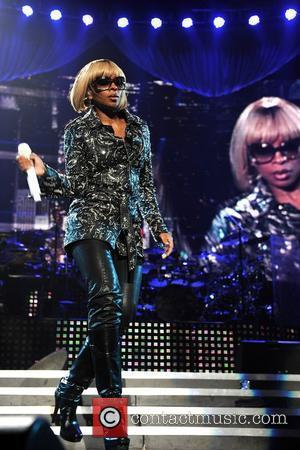 Blige + Furtado Play Mtv Agony Aunts In New Health Show