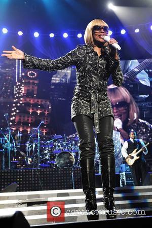 Blige Tops Billboard Awards