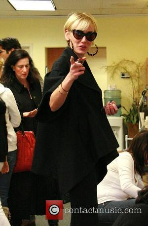 Kimberly Stewart gets a pedicure at a salon in Beverly Hills Los Angeles, California - 30.01.08