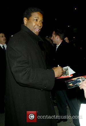 Denzel Washington outside Ed Sullivan Theatre for the 'Late Show With David Letterman' New York City, USA - 15.01.08