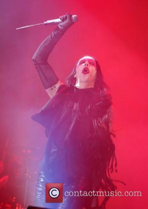 Manson Admits Hurting Von Teese