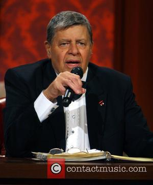 Jerry Lewis Apologises For Gay Slur