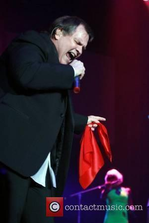 Meat Loaf Stuns With Foul-mouthed Rock Attack