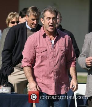 Mel Gibson Ignores Kidnap Warnings