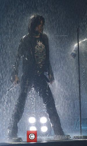 Tokio Hotel Cancel Tour, Singer Needs Surgery