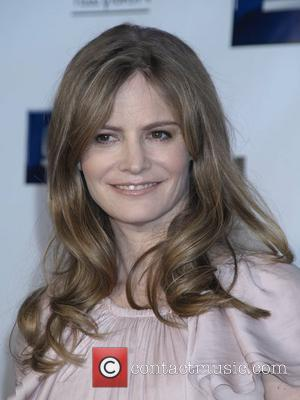 Report - Jennifer Jason Leigh Pregnant