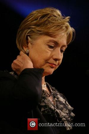 Elton Gives Clinton Campaign A Boost