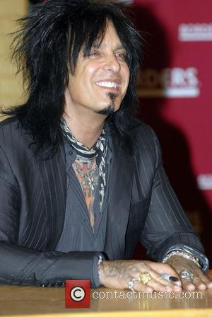 Sixx Accepts Tommy Lee's Resignation