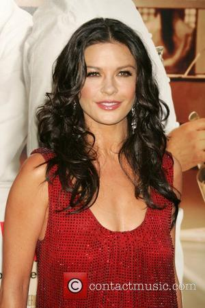 Zeta-jones Make-up Miracle