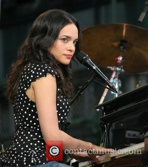 Norah Jones Terrified By Hollywood Stars