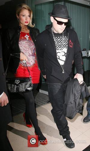 Anderson Dating Paris Hilton's Playboy Ex?