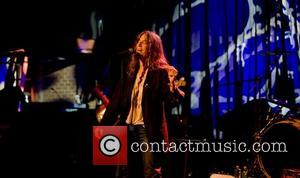 Smith Slams Apathetic Musicians