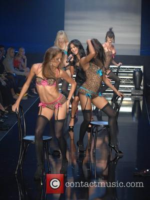 Nicole Scherzinger, Robin Antin, Pussycat Dolls