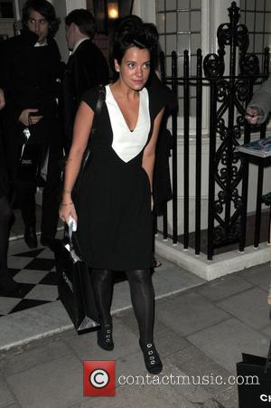 Lily Allen Thrown Out Of Bar