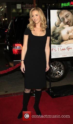 Lisa Kudrow Premiere of 'P.S. I Love You' at the Grauman's Chinese Theater Los Angeles, California - 09.12.07