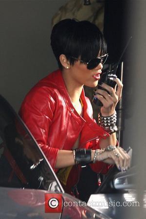 Rihanna Loves Being With Hartnett
