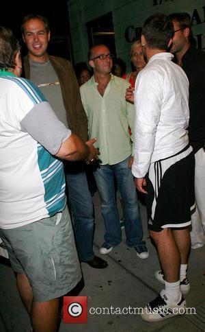 Robbie Williams Disbands Soccer Team