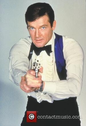 *SIR ROGER MOORE CELEBRATES HIS 80TH BIRTHDAY ON 14TH OCTOBER 2007  Roger Moore as James Bond 'Live and Let...
