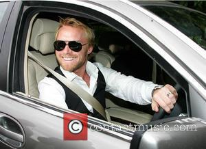 Ronan Keating Leaves Hospital