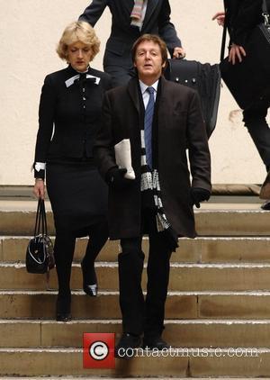 Mccartney, Ringo Honour Dead Beatles With Yoko, Olivia