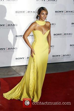Knowles Postpones Kids For 10 Years