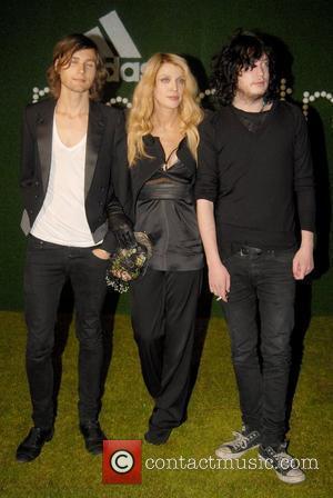 Courtney Love London Fashion Week: Adidas by Stella McCartney at Westway Sports Centre - Arrivals London,England - 20.09.07