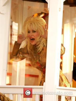Parton Threatened For Having Gay Fans