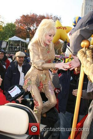 Parton Surprised By Breast Ignorance
