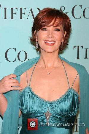 Janine Turner Pens Book On Famous Single Mothers