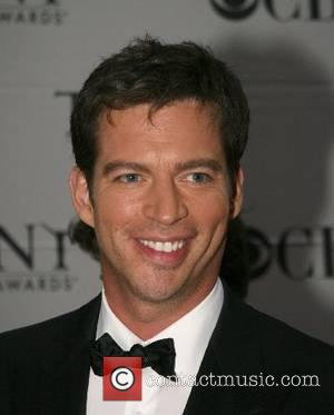 Connick Jr Goes On Shopping Spree After Surgery