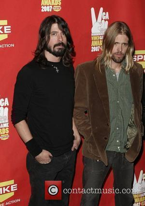 Grohl: 'Hawkins' Overdose Led To A Date With My Wife'