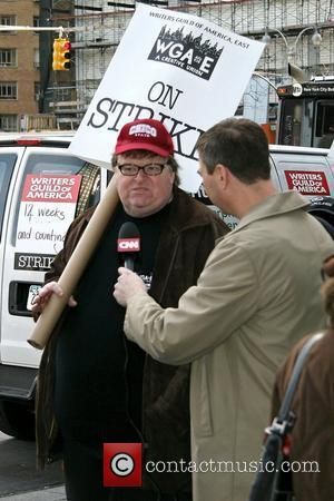 Moore Plans Unofficial Sicko Premiere