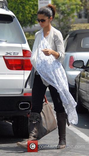Camila Alves takes her son, Levi shopping at the Party Paper Life store Los Angeles, California - 31.07.08