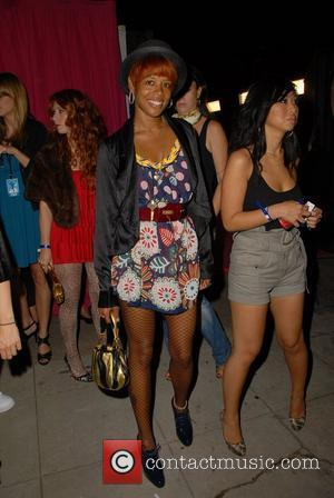 Pregnant Singer Kelis Files For Divorce From Nas