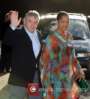 De Niro And Gibson Sign For Murder Mystery