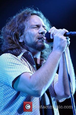 Vedder And Metallica Join Neil Young Benefit Gig