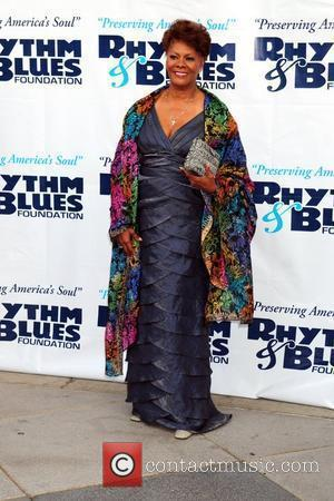 Dionne Warwick The Rhythm & Blues Foundation's 20th Anniversary Pioneer Awards Gala held at the Kimmel Center for the Performing...