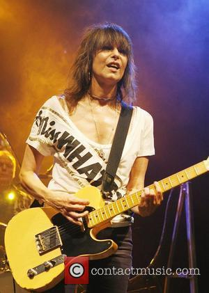 Hynde Gives Up Alcohol