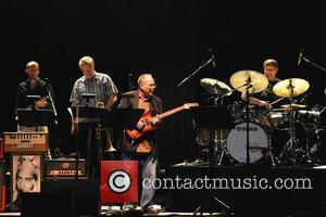 Donald Fagen & Fab Moretti To Headline 2012 Dylan Fest