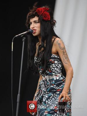 Winehouse Goes To Rehab Near Blake
