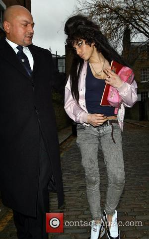 Winehouse Faces Label Crisis Talks
